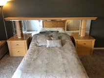 Queen size headboard in Orland Park, Illinois