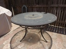 Outdoor dining table in Alamogordo, New Mexico