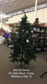 Christmas Tree 6 Feet (New) in Fort Leonard Wood, Missouri