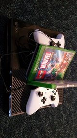 XBOX ONE 500GB/with 3Games & EU Power in Wiesbaden, GE