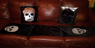 Skull table runner & pillow set in The Woodlands, Texas
