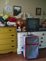 Large Suitcase on wheels- has handle on top and side in Hopkinsville, Kentucky