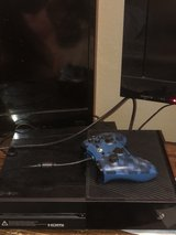 Xbox one with controller in Fort Leonard Wood, Missouri