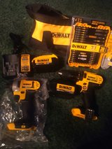 20v dewalt tools in Clarksville, Tennessee