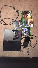1Tb Xbox One with four games in Lakenheath, UK