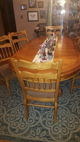 Dining room table and 6 chairs in Lawton, Oklahoma
