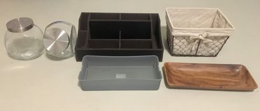Desk organizer, basket, jars in Stuttgart, GE