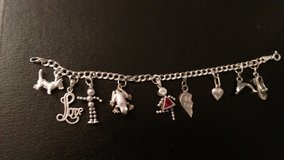 Sterling silver charm bracelet w/ 9 charms in Warner Robins, Georgia