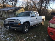 2002 Chevrolet extended cab 1/2 ton 4x4 in Fort Leonard Wood, Missouri