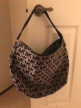 Authentic MK Hobo purse without charm. Excellent Condition in Travis AFB, California