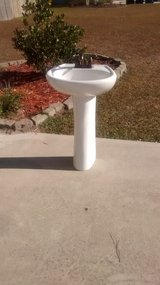 Pedistal Sink with fixtures in Cherry Point, North Carolina