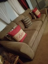 5 piece living room set in Baytown, Texas