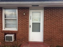 1 bedroom, 1 bath apartment, pets OK, 1 car garage, washer dryer hookup, $495 in Fort Campbell, Kentucky