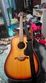 WESTON ACOUSTIC GUITAR in Fort Campbell, Kentucky