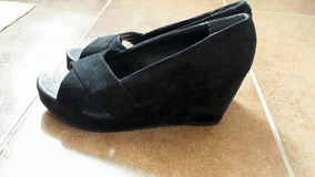 New New York & Company Black Suede Wedge in Ramstein, Germany