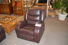 Good Selection of Recliners   New & Used in Fort Lewis, Washington
