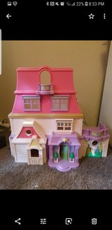 Big doll house  Fisher price in Barstow, California