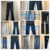 Junior Girls Hollister Jeans Jeggings pants Abercrombie sz 10/12 12 slim 24waist in Westmont, Illinois