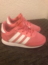Adidas Toddler Sneaker Size 7 in El Paso, Texas