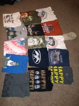 Mens XL wild life & duck dynasty t-shirts in Fort Campbell, Kentucky