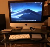 iMac (21.5 in. Late 2012) with wireless keyboard, trackpad, mouse, and external CD Rom in Fort Irwin, California
