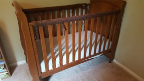 Solid Wood Crib - Bellini in Fort Meade, Maryland