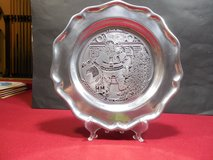 PEWTAREX Santa Claus plate w/stand.  #124/2500. in Chicago, Illinois