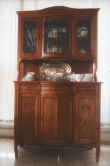 timeless French Art Nouveau dining room hutch with bevelled glass in Baumholder, GE