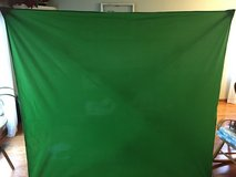 """Foldable Green Screen """"Yoostar"""" Brand in Naperville, Illinois"""