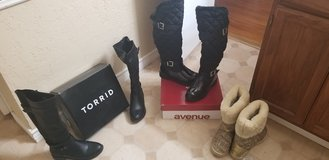 Wide calf boots size 8 in Lawton, Oklahoma
