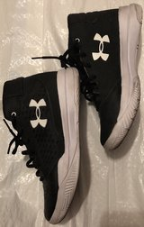 kids under armour shoes size 7 in Las Vegas, Nevada