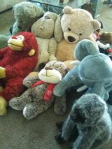 Lot of 22 Plush Animals in 29 Palms, California