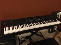 Electric piano Yamaha S80 in Spring, Texas