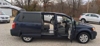 2008 Dodge Grand Caravan in Fort Leonard Wood, Missouri