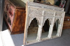 Antique Indian JHAROKHA Triple Arch Mirror Hand Carved Ivory White Vanity Mirror in Birmingham, Alabama