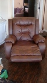 Recliner ( electric ) in Byron, Georgia