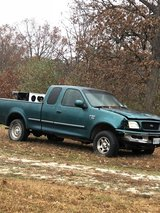 1998 Ford F-150 4X4 in Fort Leonard Wood, Missouri