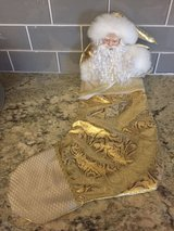 BEAUTIFUL! GOLD LAME PORCELAIN SANTA STOCKING in Naperville, Illinois