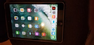 Apple iPad mini 2 in Fort Leonard Wood, Missouri