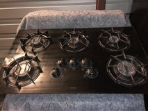 36 gas 5 burner cooktop in Spring, Texas