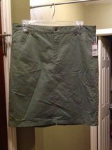Cargo Green Skirt Size 16 in Kingwood, Texas