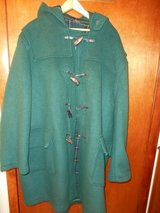 Men's Coat Size Large in Bartlett, Illinois