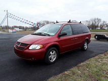 2005 Dodge Caravan in Fort Leonard Wood, Missouri