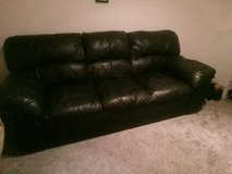 Black leather couch w delivery in Ramstein, Germany