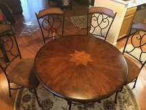 Round Dining Table & 4 Chairs for sale! in Westmont, Illinois