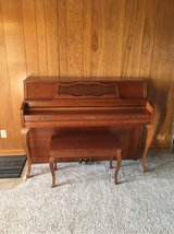 Yamaha M305 upright piano in Shorewood, Illinois
