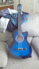 BC electric acoustic guitar in Fort Leonard Wood, Missouri