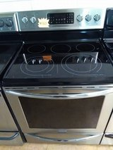 Frigidaire gallery  glass top convection oven in Fort Bragg, North Carolina