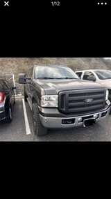 2005 Ford F250 Lariat 4x4 in Camp Pendleton, California