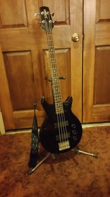 Electric Bass Guitar Short Scale in 29 Palms, California